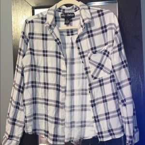 SIZE XL White, red, and navy flannel!